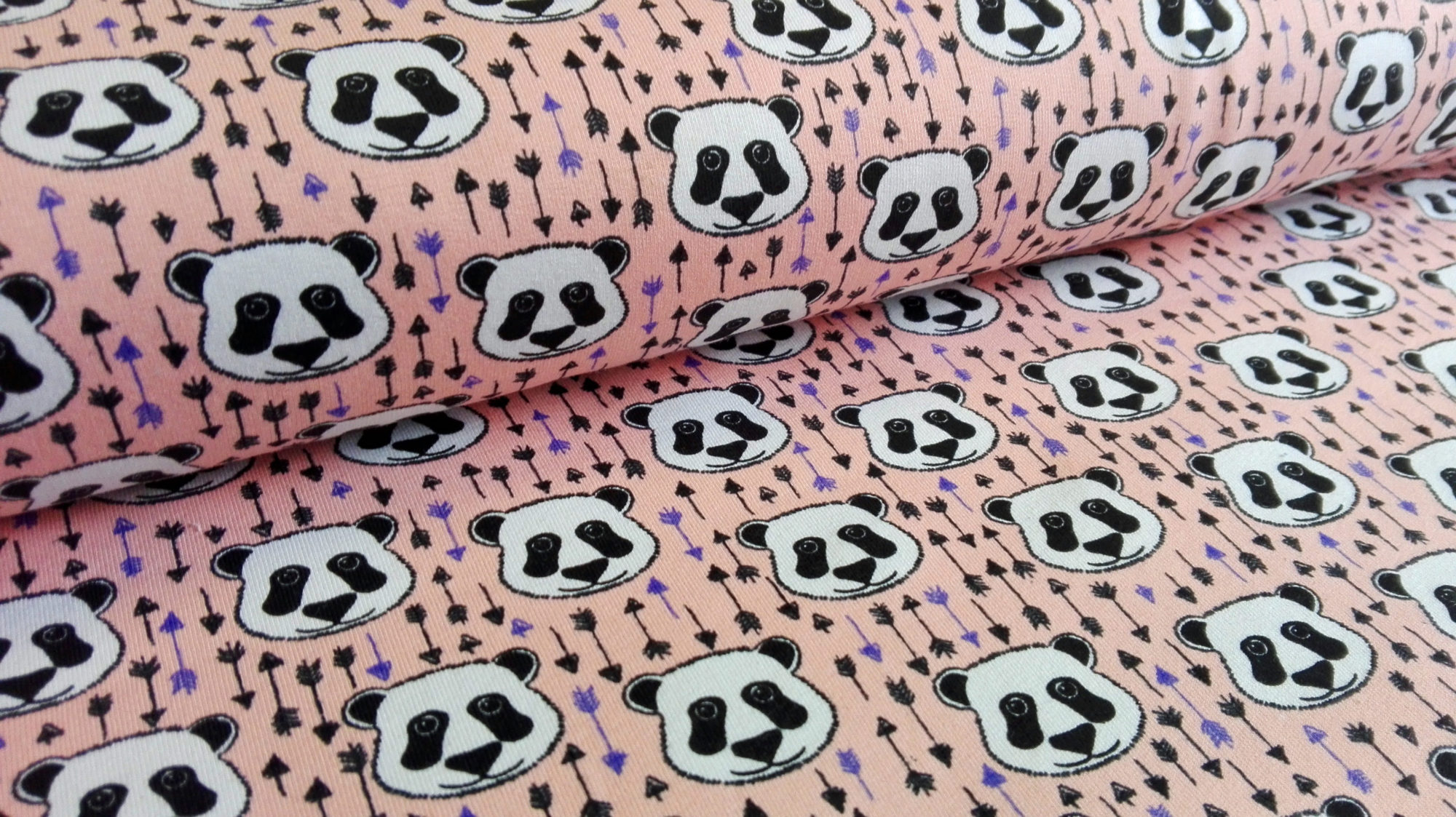 Sommersweat Sweat Pandas Panda Bear Pfeile peach Stoff • Stoff-Shop ...